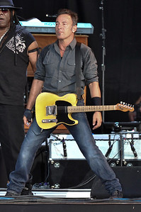 Bruce Springsteen performs at Hard Rock Calling 2009 - 28/06/09