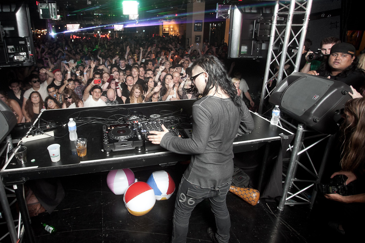 Skrillex @ Hard Rock Cafe - Las Vegas 2011
