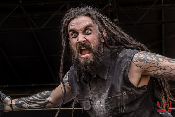 Thrown Into Exhile on the Musicians Institute Stage at Mayhem Festival 2013 - June 29, 2013