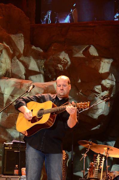 Steven Mougin, guitar