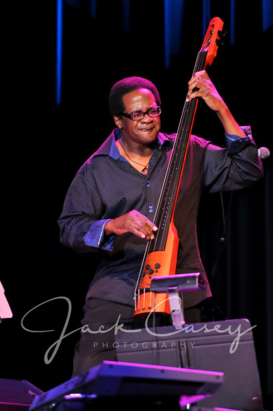 Stanley Banks, bass