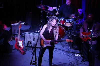 Ana Popovic at The Sportsmen's Tavern in Buffalo, NY January 2 2014