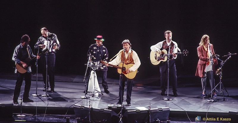 Paul McCartney & Wings<br /> The New World Tour 1993<br /> Sydney