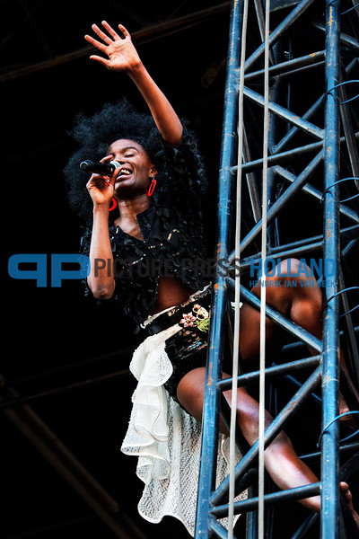 Singer Shoniwa of The Noisettes at the Parkpop Festival in The Hague