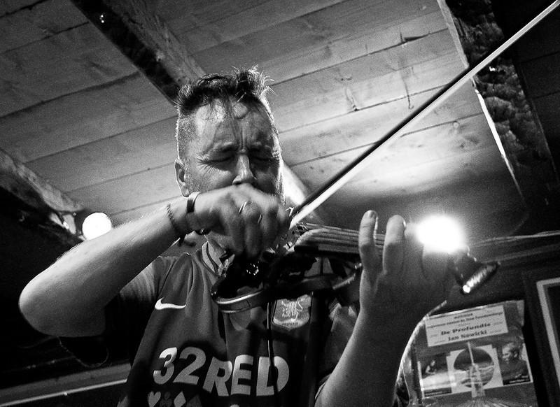 Nigel Kennedy playing in Muzyczna Owczarnia, Jaworki, Poland