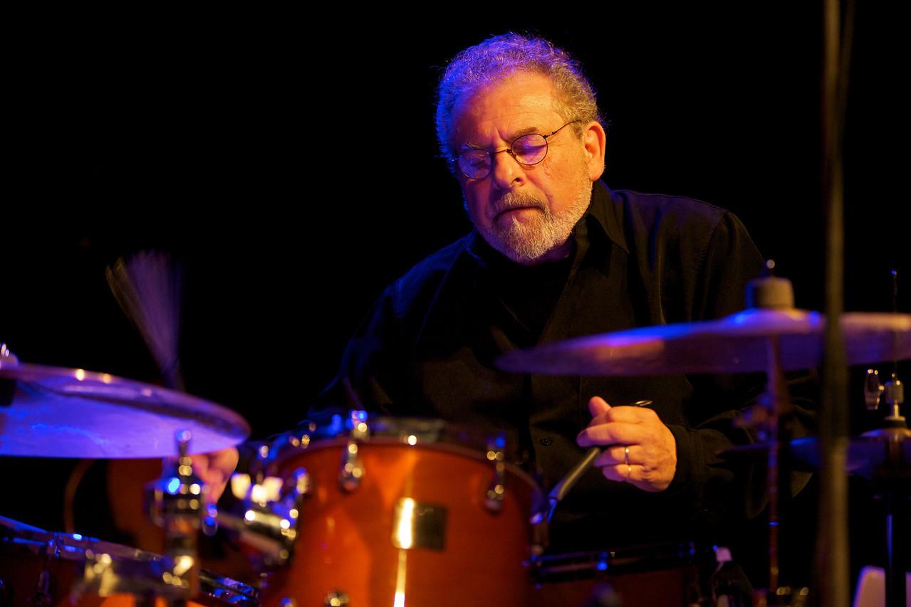 André Ceccarelli<br /> Sujet : André Ceccarelli<br /> Date : 2010-11-7<br /> Lieu : France, La Gaude, Rencontres de Jazz 2010
