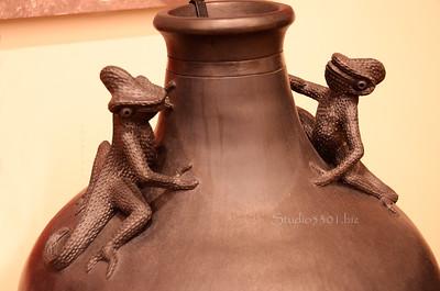 Frog pot 4487