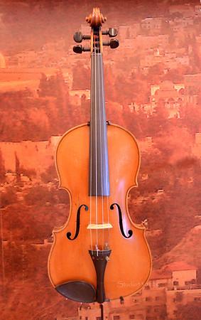 Violin  0413 4578