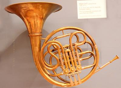 Horn in F valved 4489