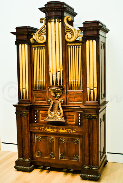 All in one console pipe organ