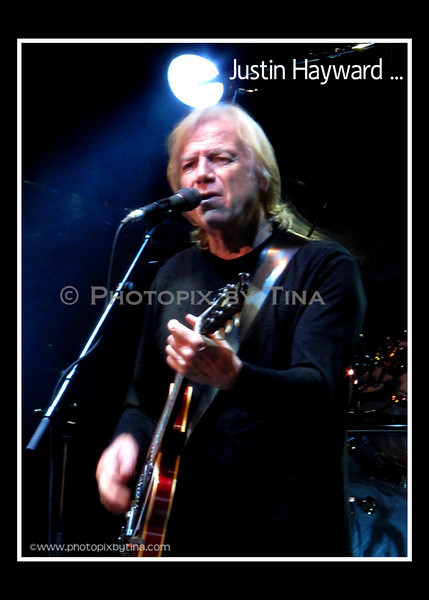 Justin Hayward of the Moody Blues ...<br /> Molson Canadian Amphitheatre, Toronto<br /> September 23, 2011