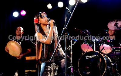 band playing at gig  - www.RecordProduction.com