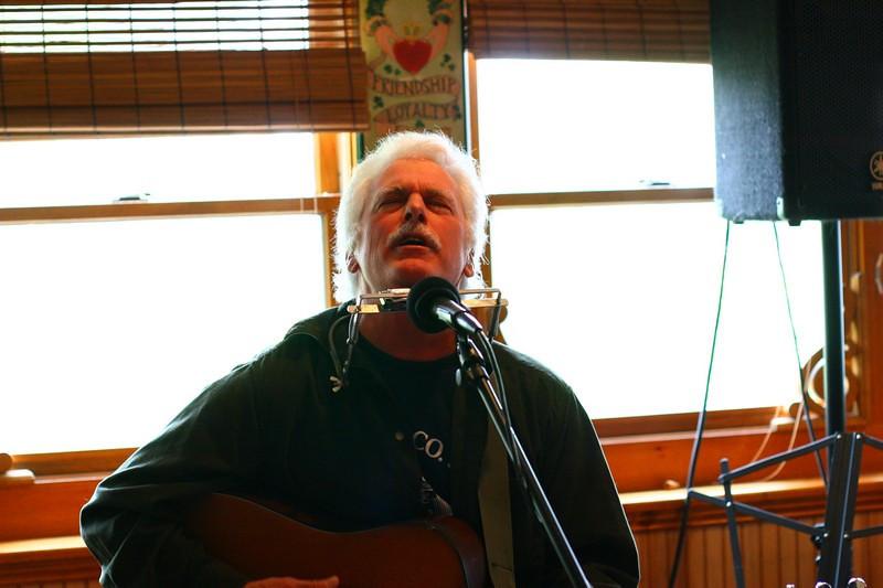 "Frank Morgan performs ""Battlefield of Love"""