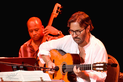 Al Di Meola and Victor Miranda (Cuban Bassist)