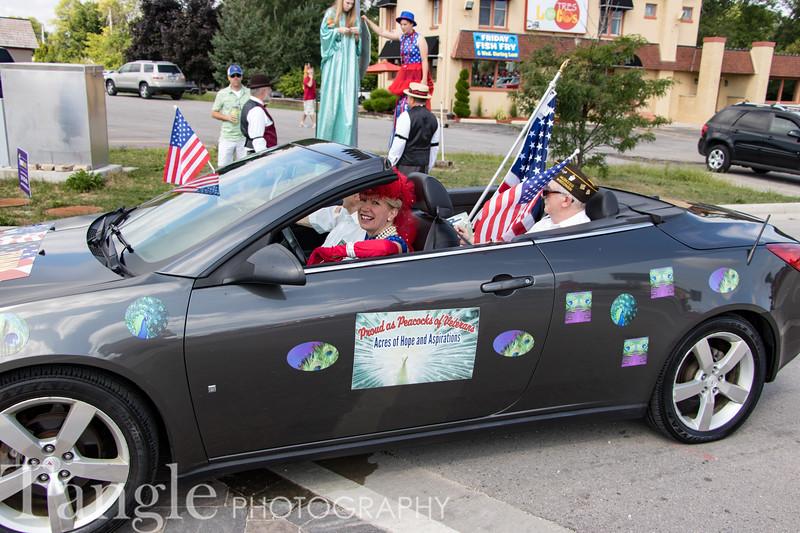 Parade-3549