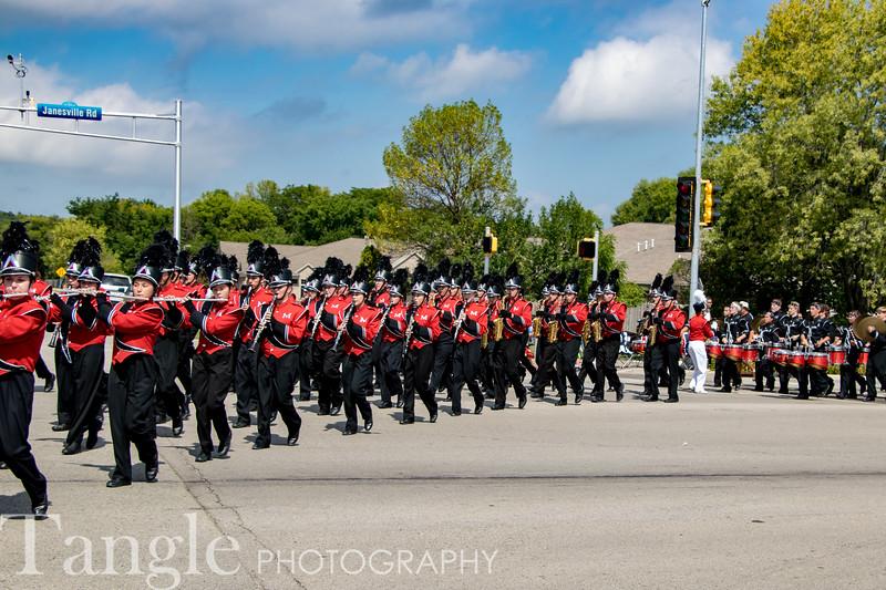 Parade-3682