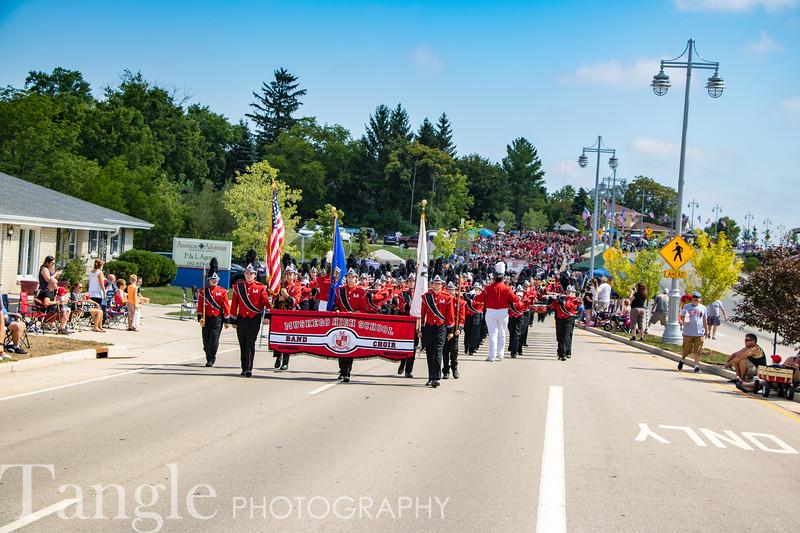 Parade-3660