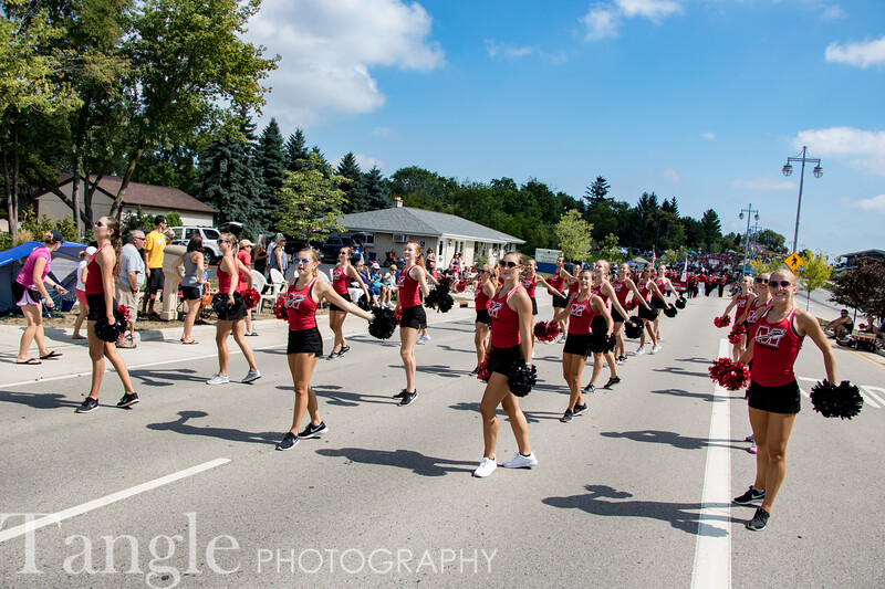 Parade-3654