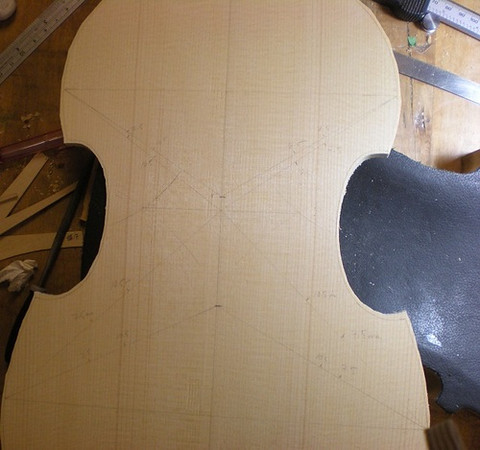 Arching the front - Some Francois Denis method applied before carving starts.