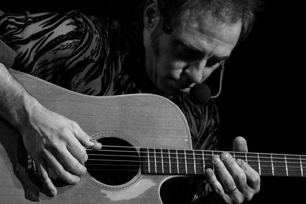 Nils Lofgren Acoustic Tour © Amanda Coplans