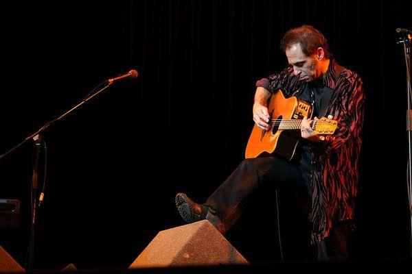 Nils Lofgren Acoustic Tour<br /> <br />  © Amanda Coplans