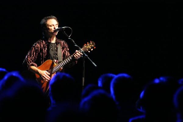 Nils Lofgren UK Acoustic Tour Oct 2005       ©Amanda Coplans
