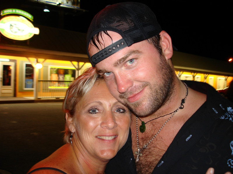 "Lee Brice posing with me after the show.  Now he is not only a totally awesome singer-songwriter (loved the song ""More Than a Memory"" Lee!), he is very easy on the eyes ladies!"