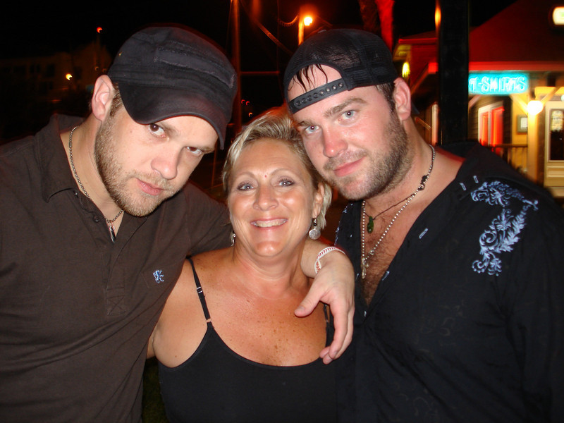 Kyle, me and Lee after the show...just hanging out side...