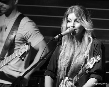 Lindsay Ell - Water for Wayzata Fundraiser 2017