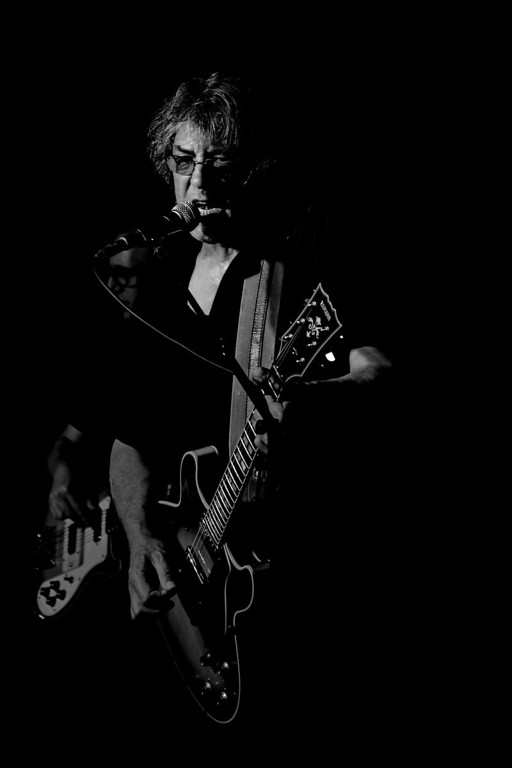 IMG_9331_Roye_bass_dark_BW