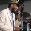 Mos Def , surprise guest of John Legend New Orleans jazz & Heritage Festival 2011