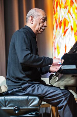 Veteran pianist Bill Clark manned the keys throughout the evening.