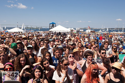 Crowd basks in the sun at Newport Folk