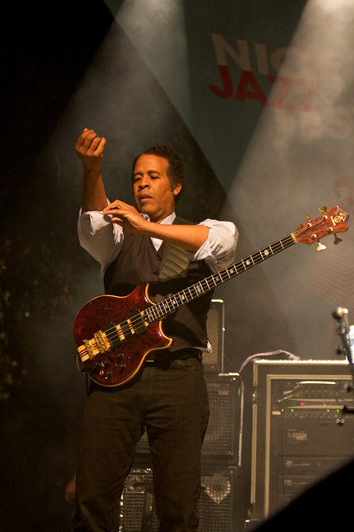 Stanley Clarke playing with Return To Forever at the Nice Jazz Festival 2008