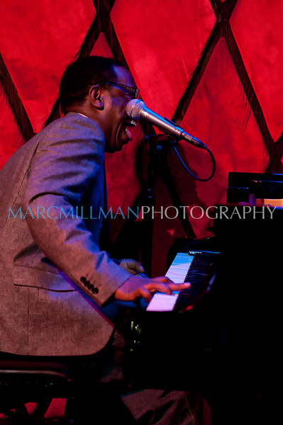 Too Sweet Goin' Down<br /> <br /> Nigel Hall Band @ Rockwood Music Hall (Wed 2/16/11)