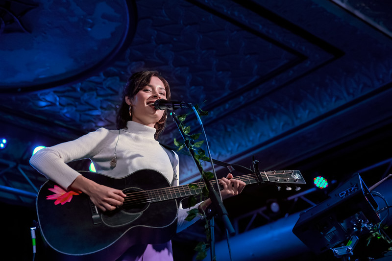 April 12, 2018 Nina Nesbitt at the Deluxe at the Old National Centre in Indianapolis, Indiana. Photo by Tony Vasquez for Entranced Media.