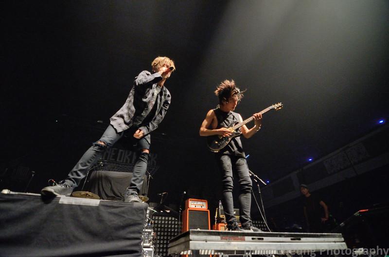 ONE OK ROCK - The Shrine Expo Hall