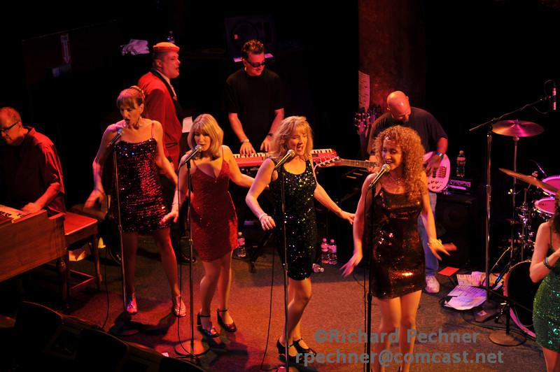 Cary Sheldon, Kathy Kennedy, Keta Bill & Annette Olesen singing sweet