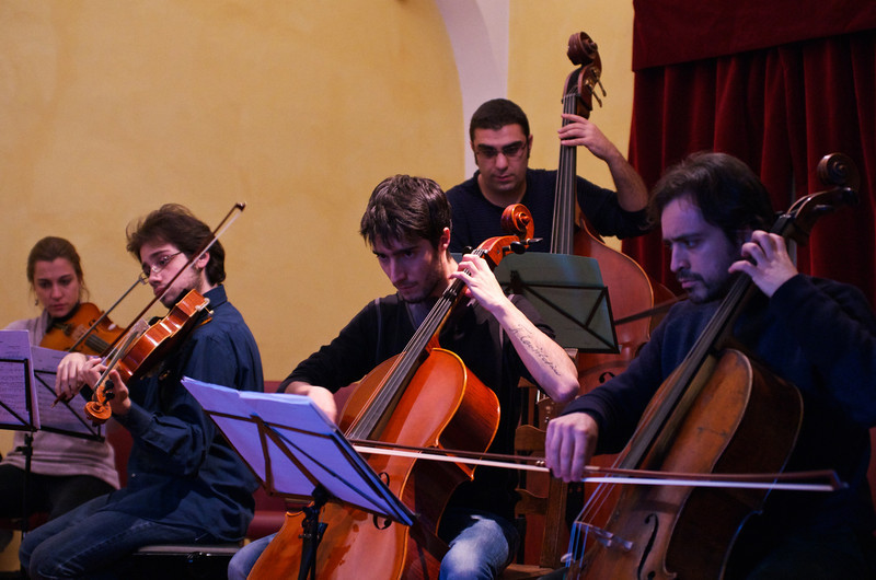 Giulio Cazzani ( cello / violoncello ), Kaveh Daneshmand ( double bass, upright bass / contrabbasso), Claudio Pasceri ( cello / violoncello )