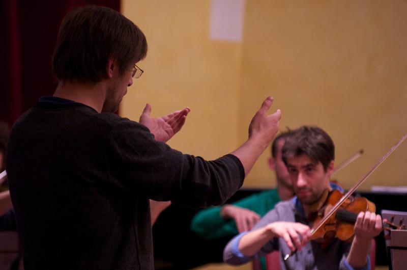 Adrian Pinzaru (violin / violino)