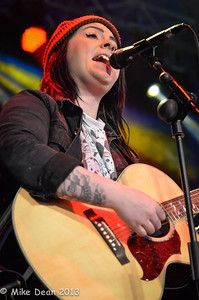 Lucy Spraggan (12 of 20)