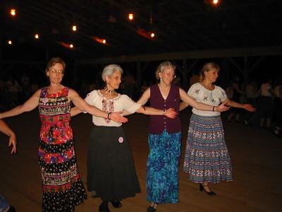 graceful Armenian women's dance