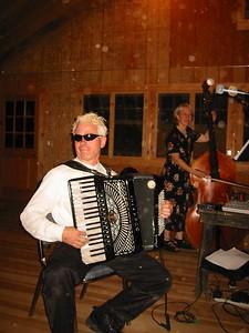 Tom  and Barbara Pixton (Pinewoods Band)
