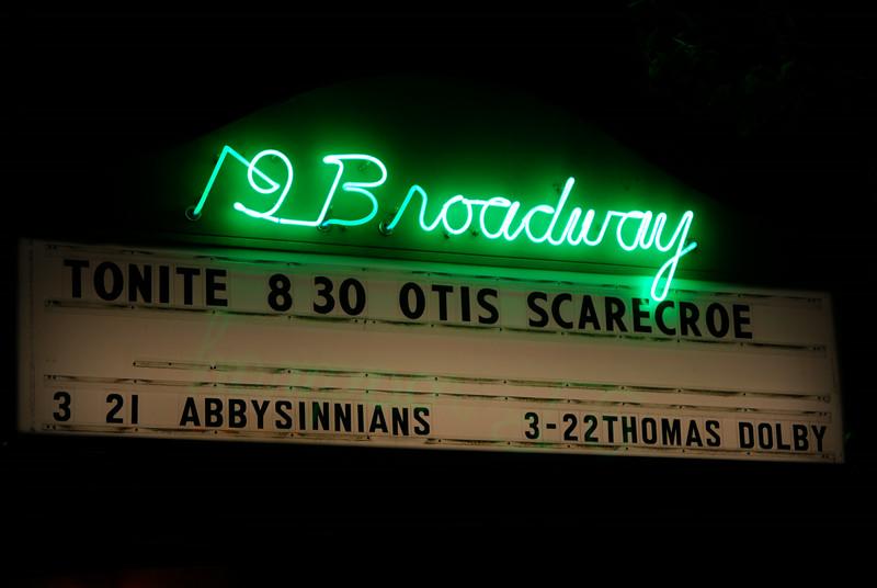 19 Broadway neon, Fairfax, CA