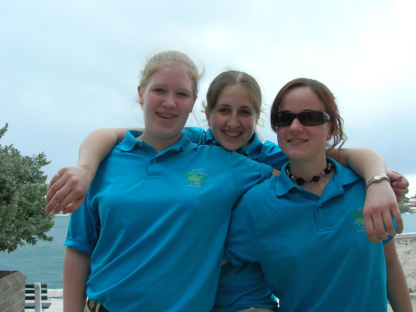 Trudy, Britney & Nathania in Bermuda with Q-town H.S. Choir