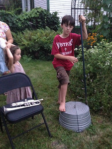 Kiernan asked to try the washtub base, which Gene Goldwater had brought.