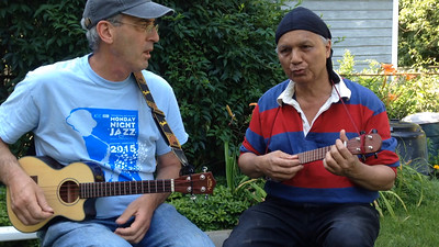 At Manuel's request, I took this video as a sample (about 3 minutes) of the interaction between these two musicians, who had not know each other before this party. They continued jamming together for a long time.