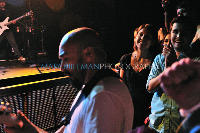 Raul brings it to the people<br /> <br /> Ozomatli @ Irving Plaza (Thur 2/3/11)