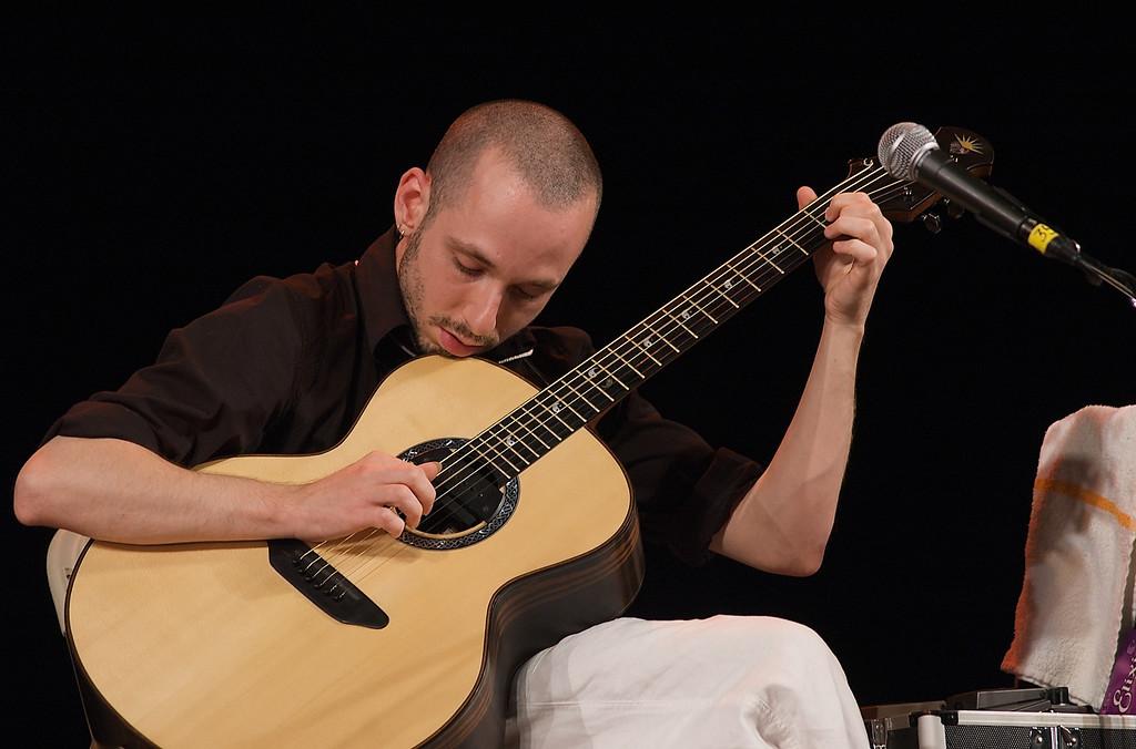 Philadelphia Folk Festival 2009Erik Mongrain