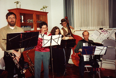March 1995.  Panharmonium played at the cocktail hour before a Transylvanian dinner at the Unitarian Society.  We also played after dinner (next photo).